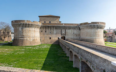 The Della Rovere Fortress among popes, exhibitions and the sea